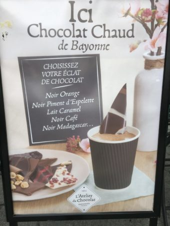 Pau Atelier du Chocolat hot choc advert